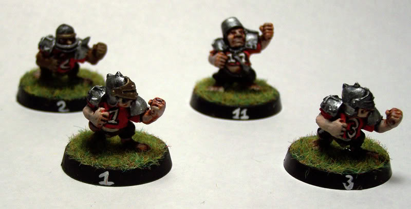 [Image: blood_bowl_halflings1.jpg]
